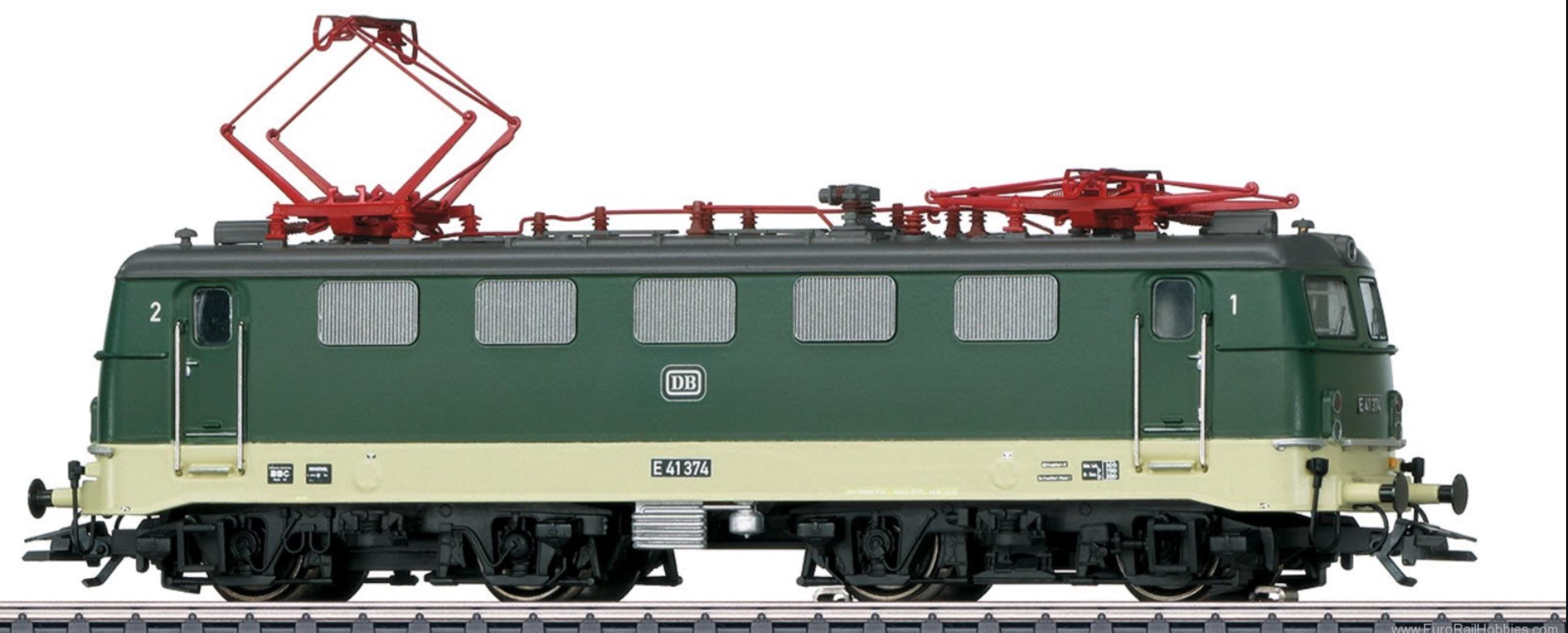 Another Marklin Eurotrain Special Edition! HO E41 in Oxide Green and Cream