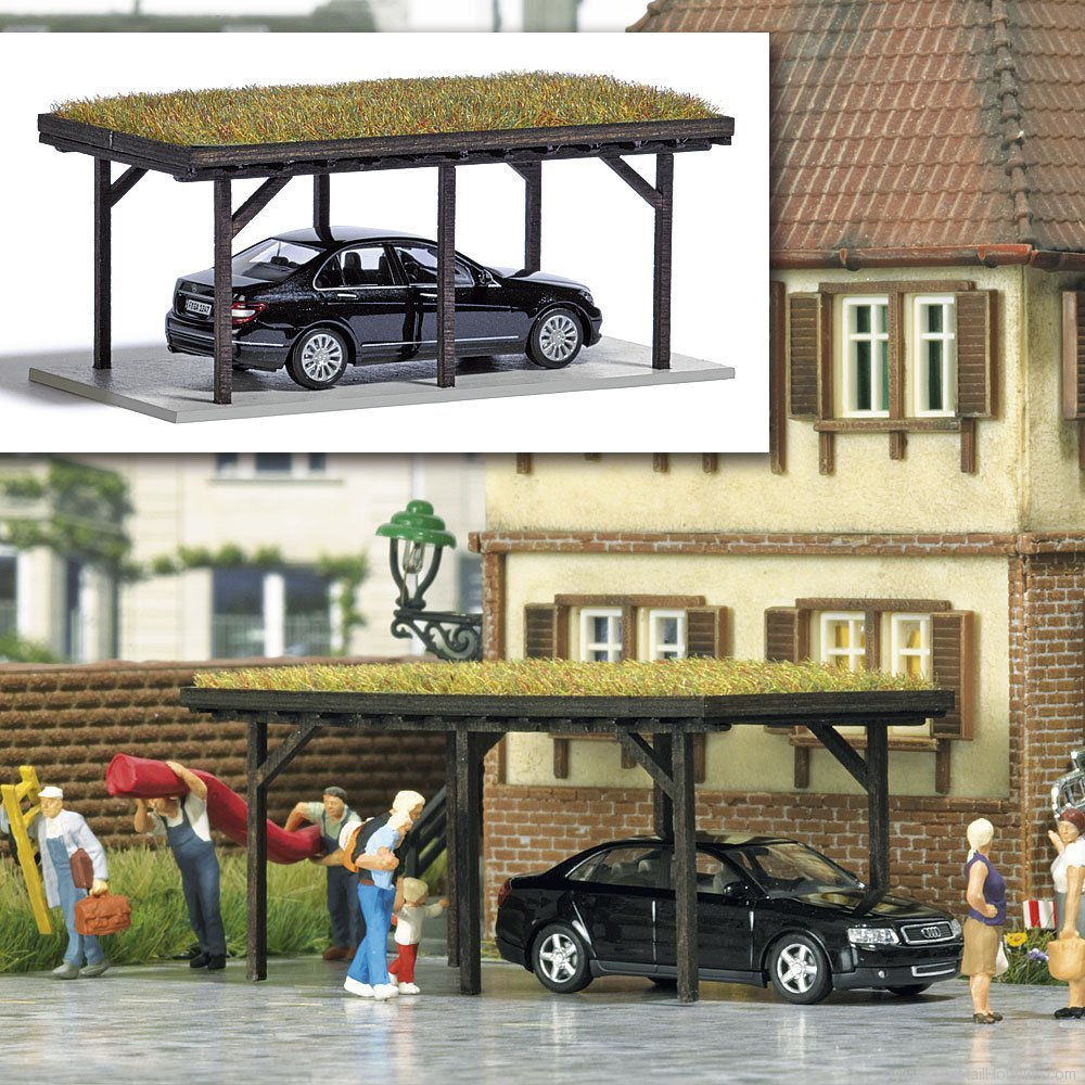 Busch 1482 Carport with Grass Roof and Model Vehicle