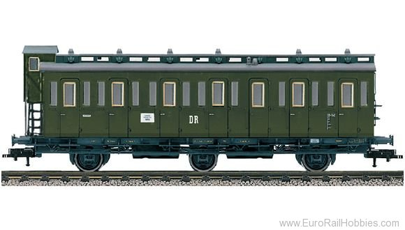 Fleischmann 507002 DR 3-axle compartment coach with brakeman's c