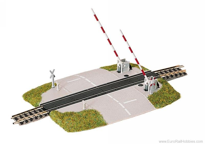 Fleischmann 9198 Level crossing with lifting barriers.