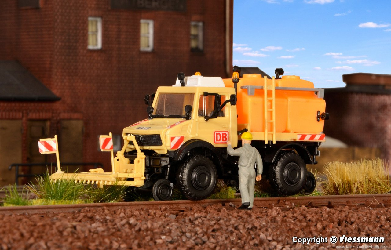 Kibri 16303 H0 Road rail UNIMOG with powdering equipment