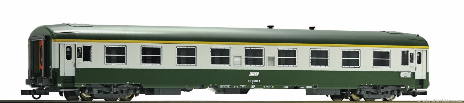 Roco 64650 2nd class express train passenger car, SNCF