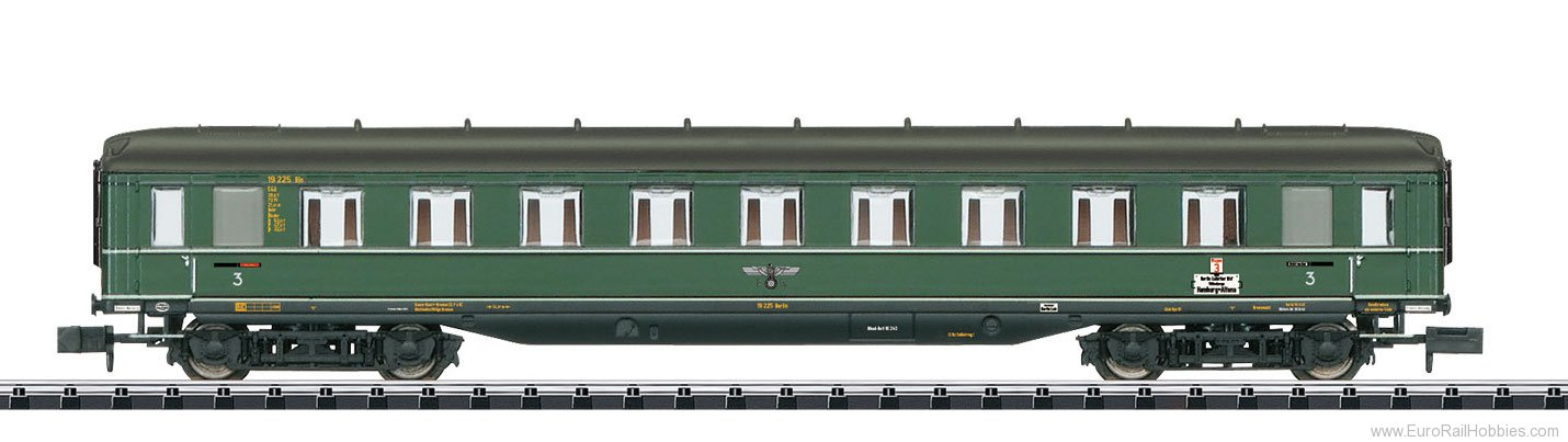 Minitrix 15803 DRB 'Berlin-Hamburg' Express Passenger Car, 3