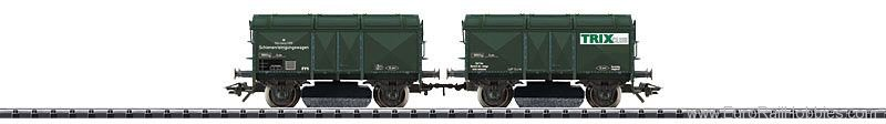 Trix 24220 Track Cleaning Car for H0 Gauge (Trix Insider